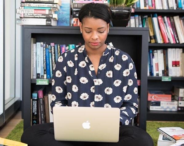 woman laptop 2cropped